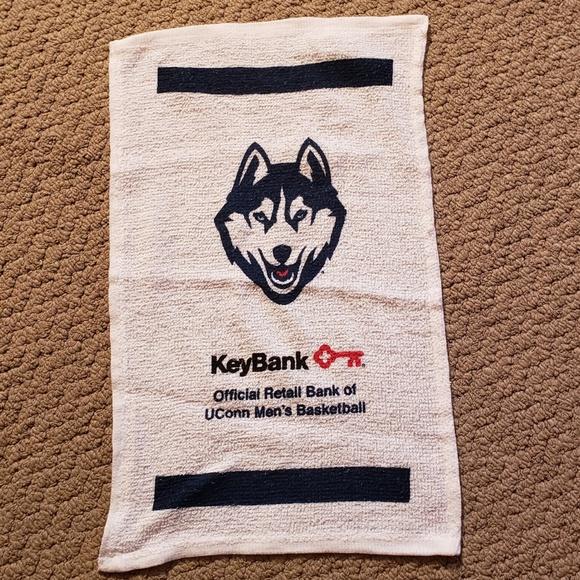 UConn Huskies Logo Fan Rally Towel White KeyBank